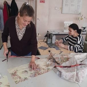 От постельного белья до модной сумки! Мамы учатся шить!
